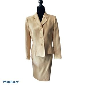 Le Suit petite gold beaded suit skit with jacket